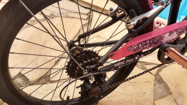 Bicicleta Caloi Aro 20 Barbie 7 marchas - Foto 2