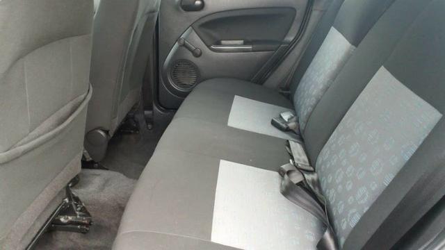 Ford Fiesta 1.0 2011 Completo - Foto 12