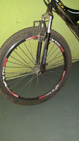 Vendo uma bicicleta aro 26 por motivo de mudança - Foto 3