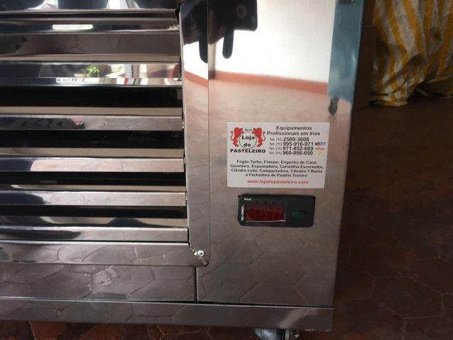 Freezer/Frezer/Geladeira Para Pastéis/gaveteiro com motor, Pastelarias - Foto 4