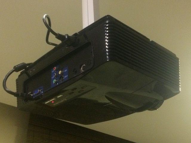 Projetor Mitsubishi Full HD (1080p Nativo) / HDMI / 1300 Lumens / 33.000:1 / LEIA - Foto 3