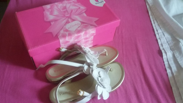 Sandália tamanho 31 - Foto 2