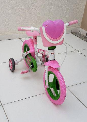 Bicicleta aro 12 Nova prá menina a partir de 2 anos. - Foto 4