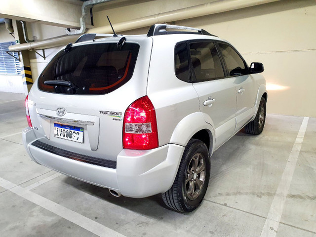 Hyundai Tucson 2.0 Flex GLSB Automático 2015 na cor Prata.  - Foto 6