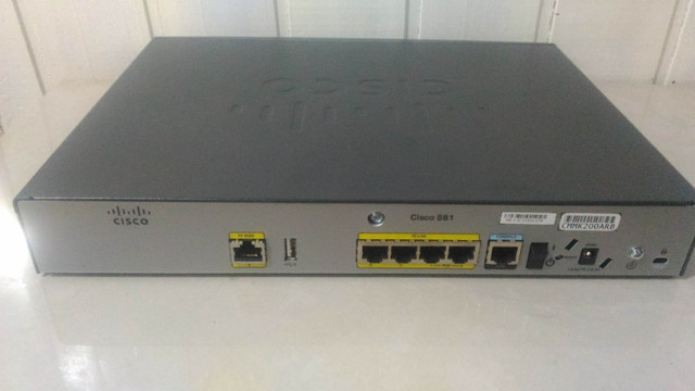 Roteador Cisco C881-k9