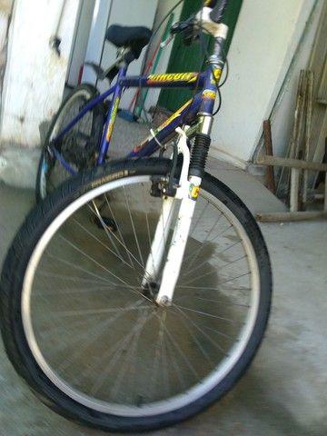 Bicicleta aro 29 com marchas - Foto 5