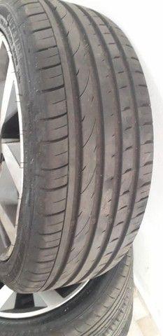 Vendo jogo de rodas com pneus semi novos aro 17  - Foto 6