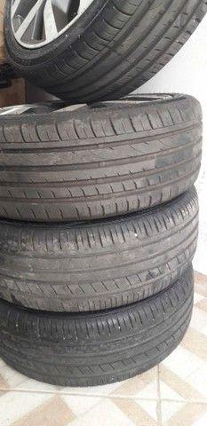 Vendo jogo de rodas com pneus semi novos aro 17  - Foto 4