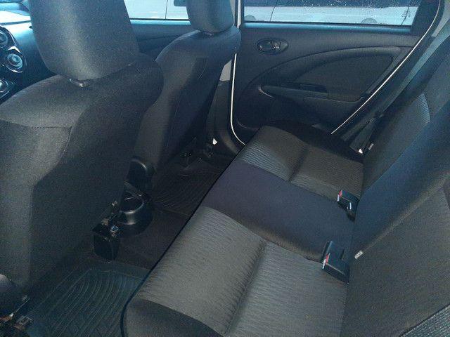 Toyota Etios HB 1.3 aut  - Foto 6
