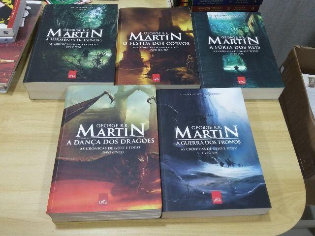Kit Game Of Thrones - Crônicas De Gelo E Fogo - 5 Livros