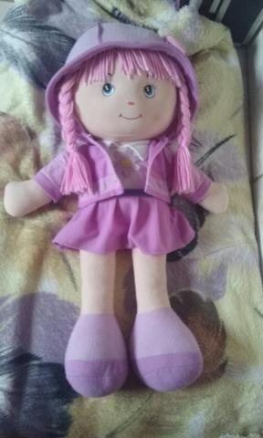 Boneca para crianças se divertirem