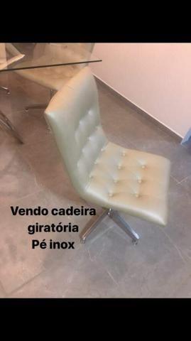 Vendo mesa e cadeiras de inox
