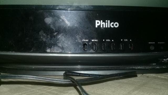 Vendo tv philco 21 polegadas vai com o conversor e antena