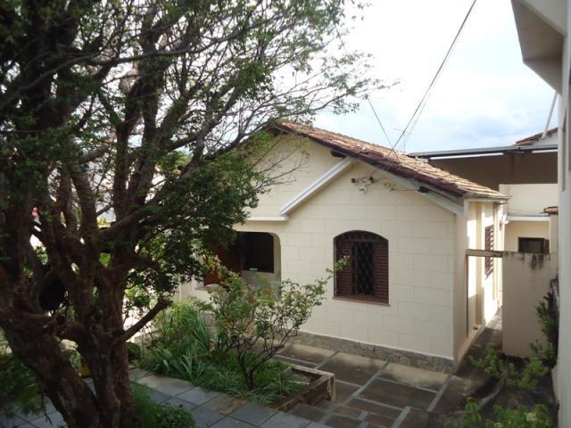 Casa bem conservada em ótima localização, próximo a Rua Padre Eustáquio!