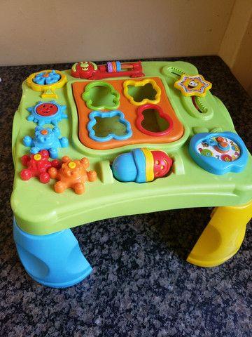 Mesinha de atividades para bebê  - Foto 2