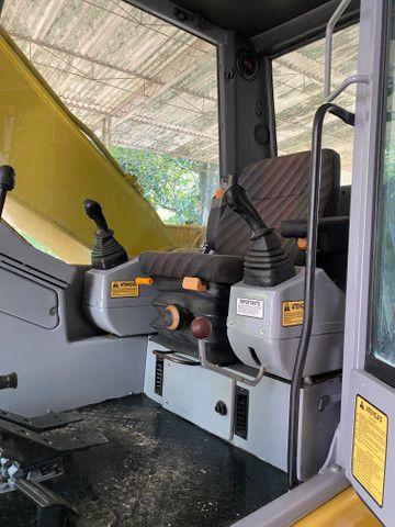 Escavadeira hidráulica FX215Lc - Foto 6