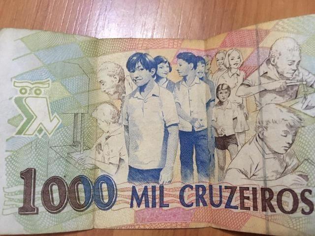 Nota / Cédula de 1000 Cruzeiros Reais de 1993 Flor de Estampa dinheiro bem conservado - Foto 2