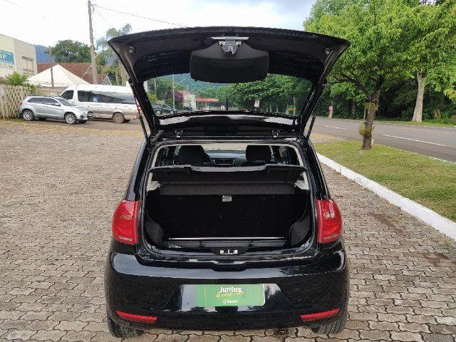 Volkswagen Fox 1.0 VHT (Flex) 4p 2012 - Foto 11