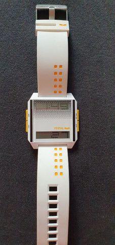 Relogio digital Digichord Vestal branco importado