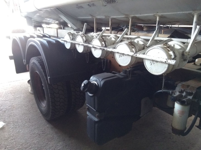 Caminhão Ford Cargo 2429  - Foto 2