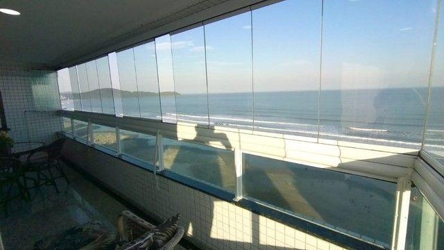 Apartamento alto padrão 3 dormitórios suítes frente mar Campo da Aviação Praia Grande - Foto 17