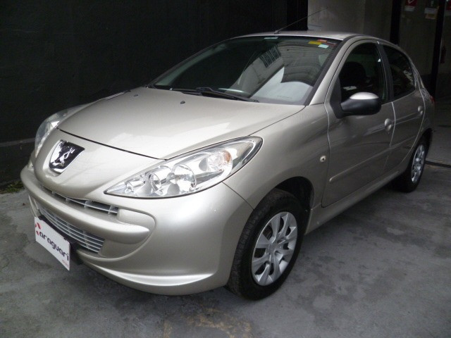Peugeot 207 xr 1.4 hatch 8v flex 4p