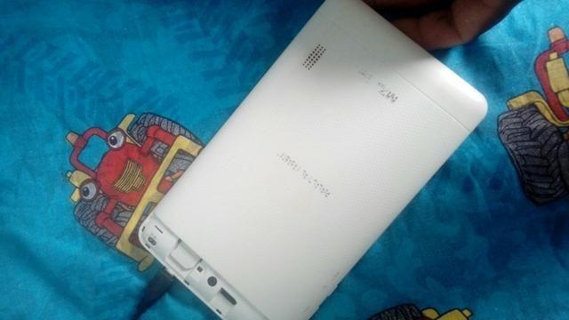 Vende se ou troca um tablet em um celular