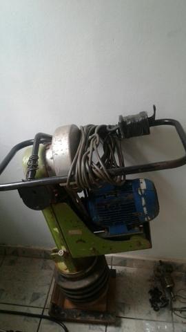 Compactador trifásico