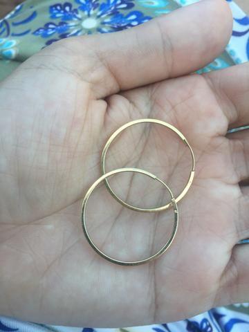 Vendo argola de ouro