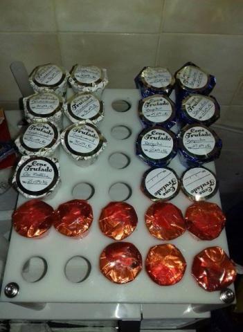 Suporte para fazer cones de chocolate