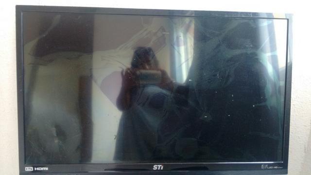 Vende se televisão, Toshiba Led HD