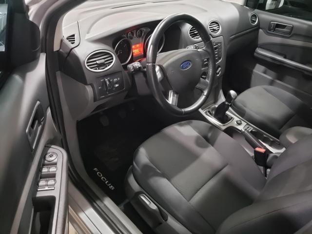 Focus Hatch GLX 2.0 16V (Flex) 2011 - Foto 4