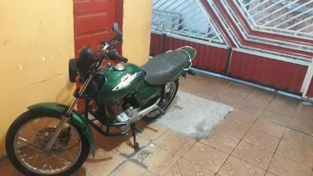 Vendo Moto Titan Honda 125 toda top p sair andando sem trabalho nenhum - Foto 3