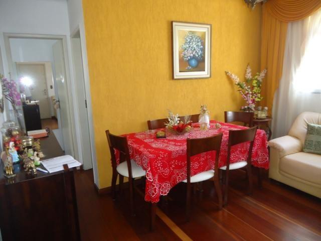 Ótima localização, apartamento 02 quartos com armários!