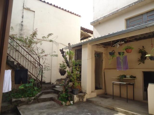 Casa bem conservada em ótima localização, próximo a Rua Padre Eustáquio! - Foto 15