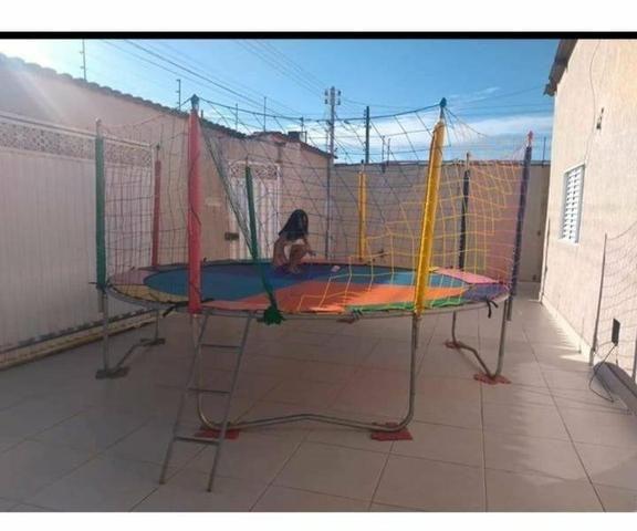 Locação de cama elástica e piscina de bolinha