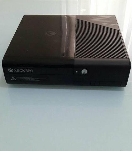 Xbox 360 super slim seminovo com kinect mais 4 jogos - Foto 2