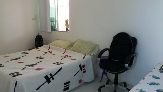 Cobertura Duplex Decorado com acesso exclusivo para o Rio em Buraquinho R$ 490.000,00 - Foto 8