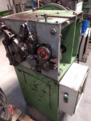 Máquina para produzir molas Carjac MC1 arame de 0,5 a 1,6 mm