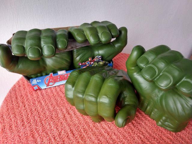 Luvas do Hulk Hasbro original - Foto 2