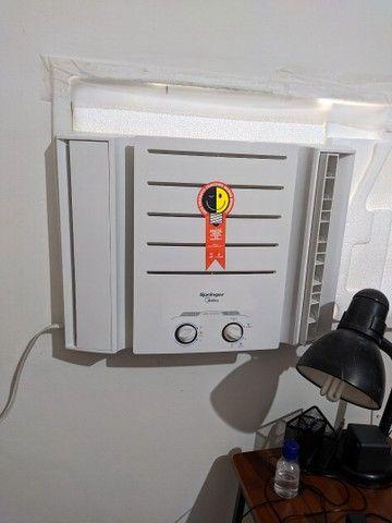 Ar- condicionado de janela- Semi-novo - Foto 2