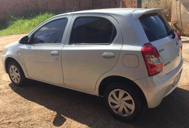 Toyota Etios X 1.3. 38 mil km rodados! - Foto 2