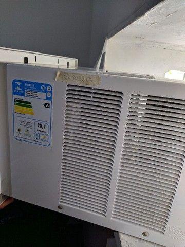 Ar- condicionado de janela- Semi-novo - Foto 3