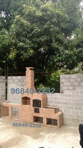 Churrasqueira completa no tijolo palha