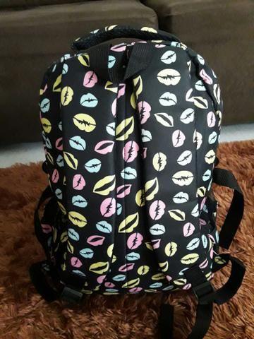 Vendo mochila escolar