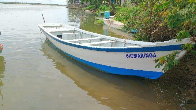 Barco de esporte e recreio ótimo para passeio