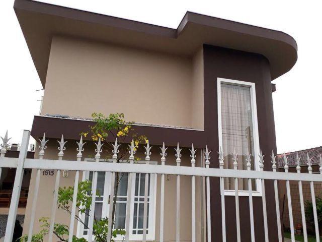 Sobrado alto padrão no bairro Iririu