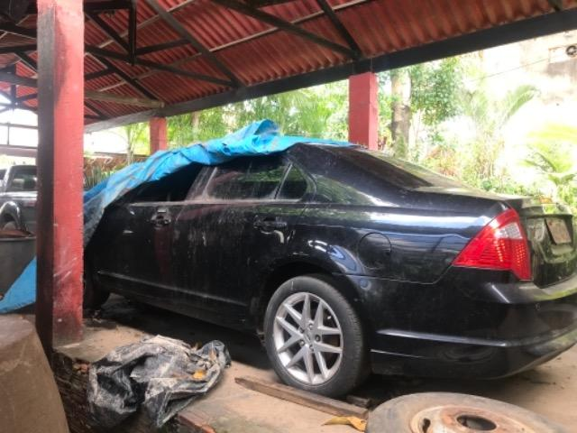 Vendo ou troco carro batido - Foto 4
