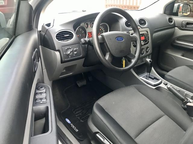 Ford Focus Sedan - Foto 5