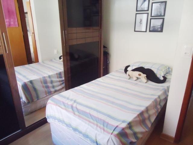 Excelente localização, apartamento todo reformado, 03 quartos sendo 02 com armários! - Foto 10